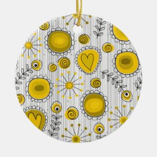 Wunderliche Blumen in der gelben Verzierung Rundes Keramik Ornament