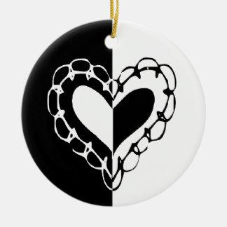 Wunderliche Schwarzweiss-Herz-Hochzeit Rundes Keramik Ornament