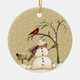 Wunderlicher Schneemann und rotes Keramik Ornament