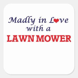 Wütend in der Liebe mit einem Rasenmäher Quadratischer Aufkleber