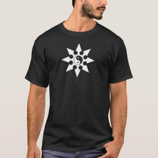 Yin Yang Shuriken werfender Stern T-Shirt