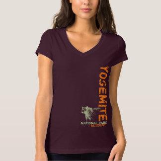 Yosemite Nationalpark Kalifornien-Bärn-Vertikale T-Shirt