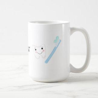 Zahnmedizinischer Entwurf, Zahn und Zahnbürste Kaffeetasse