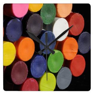 Zeit zu färben quadratische wanduhr