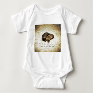 Zitat-Seelöwen der Liebepaare romantische auf dem Baby Strampler
