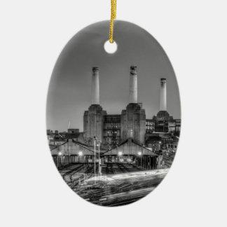 Zugdurchlauf Battersea Power-Station, London Ovales Keramik Ornament