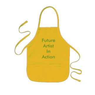 Zukünftiger Künstler in der Aktion Kinderschürze