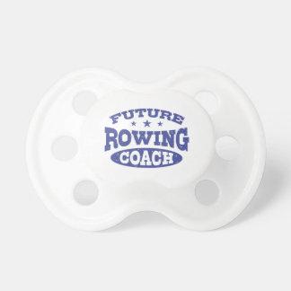 Zukünftiger Rudersport-Trainer Schnuller