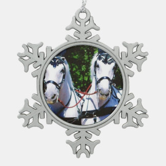 Zwei Grau Percherons Schneeflocken Zinn-Ornament
