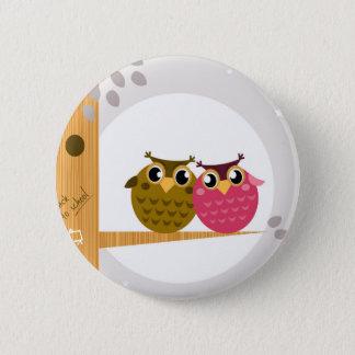Zwei Liebe Eulen auf Baum mit Mond Runder Button 5,7 Cm