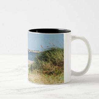 Zweifarbige Tasse mit Foto vom Fehmarnsund