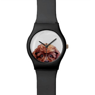 Zwergpudel rötlich braun mit Gläsern Armbanduhr